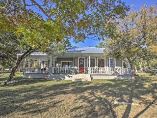 Gorgeous Boerne Home in Hill Country Close to Town