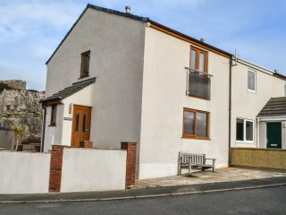 11 ANGLESEY ROAD, WiFi, incredible views of Great Orme, Nintendo Wii, Ref 970554