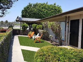 Centrally Located Pacific Beach 1BR