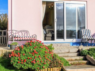 NECTAN, en-suites, WiFi, pet-friendly, off road parking, in Mevagissey, Ref. 915
