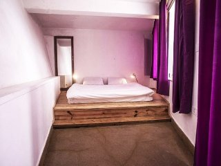 Contemporary stay for a couple. 600 m from the Clock Tower
