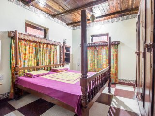 Relaxing room near Lakshman Temple, for those on a student budget