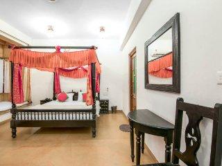 Regal heritage stay for three, near Amar Sagar Lake