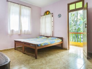 Single room ideal for backpackers, 1.2 km from Calangute beach