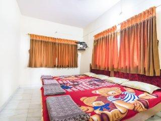 Restful retreat on Kihim Beach, ideal for a weekend getaway