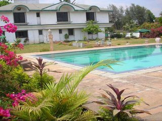 2-bedroom homely stay with a pool, close to Valvan Dam