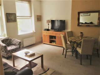 NICE 2 DOUBLE BEDROOMS FLAT IN NW3(310/4)