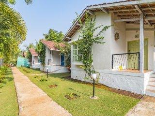 Idyllic 3-BR cottage with a pretty garden
