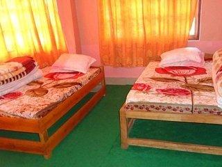 Room for 4 in Sukhia Pokhri