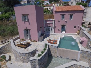 Villa Sifis/ Luxury with amazing sea view and heated pool