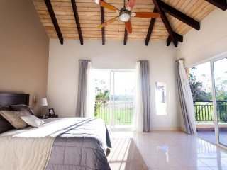 Casa del Lago 3 Bedroom Golf Apartment with Attacched Studio