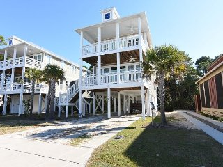 Pinfish - Updated and secluded home