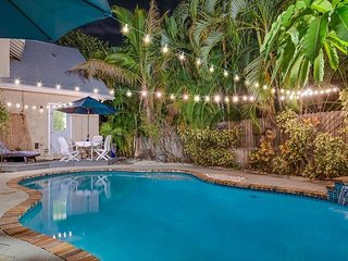 Historic Tropical and Eclectic Vacation Home With Pool, Grill,  Sleeps 8