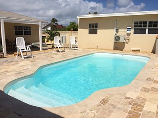 Robin's Nest Villa Aruba 3 Bedrooms with 2 Studios Apts. Walk to Palm Beach