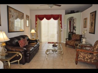 Orlando - Standard Vacation Rental - 8 Guests - 4 Bedrooms