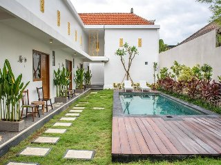 1Bedroom apartment at Seminyak & sharred pool