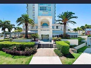 Grand Ocean View Apartment