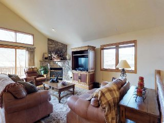 Spacious home w/ deck, 2 living rooms, & great location 3 miles from Dillon Lake