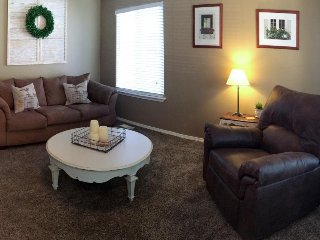 Charming family home close to skiing and hiking, w/fenced yard & outdoor firepit