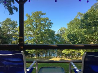 The Good Life Lakehouse w/ Lake Access & close to the White River! Great Views!