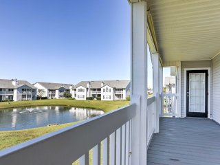 NEW! 3BR Gulf Shores Condo w/ Shaded Deck!