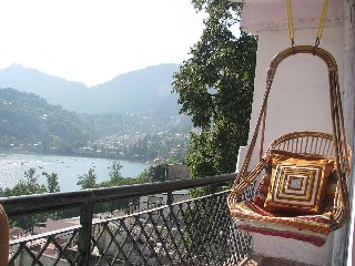 Family Stay in Lake View House on Mall Road Nainital Kitchen Facility