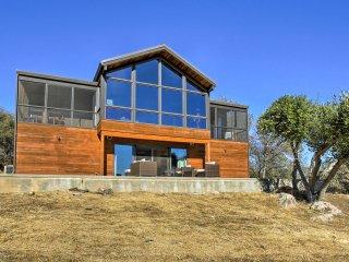 40-Acre Custom Coarsegold Home w/Hot Tub & Views!