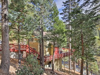 Lake Arrowhead Home w/Deck - Walk to Country Club!