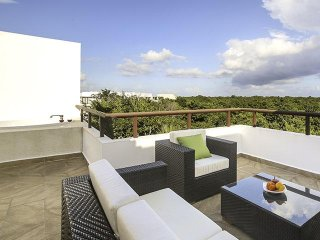 Modern Riviera Maya Penthouse W/ Private Rooftop Terrace