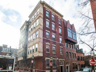 112 Myrtle Street Apartment 8
