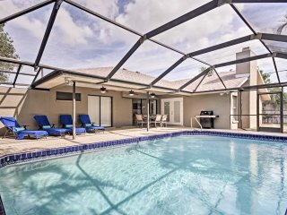 1-Story Bradenton Home w/Pool - 10 Mins to Beach!