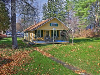 NEW! Lovely 2BR Greenville Cottage w/Deck & Grill!