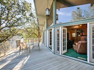 Kern River Home w/ Balcony, Fire Pit & Mtn Views!