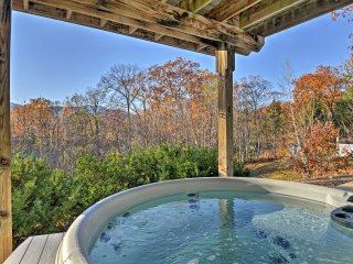 NEW! Cozy 3BR + Den Home w/ Hot Tub & Mtn Views!