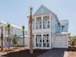 4BR Seaglass at The Hub 30A – Prime Location Near Outdoor Activities