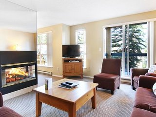Bright and Spacious Home Right in the Whistler Benchlands (298148)