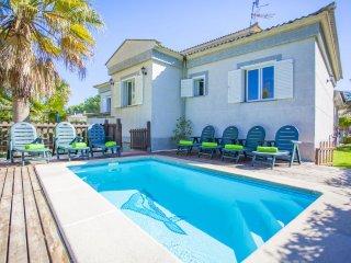 Villa  a 100 m.  playa tranquila Alcudia Mallorca
