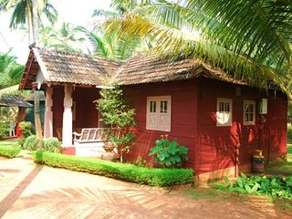 Rustic Terracotta Cottage near Beach