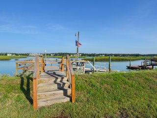 ALL-INCLUSIVE RATES! Happy Hour - Pet Friendly, Inlet Front, Private Dock