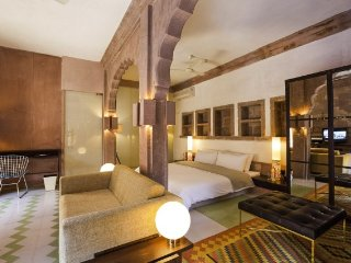 Luxurious Heritage stay In Jodhpur