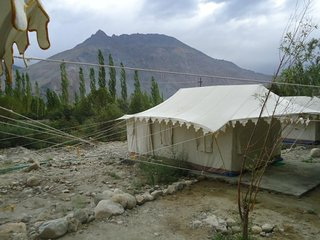 Snug tent stay for three, in proximity to Shyok River
