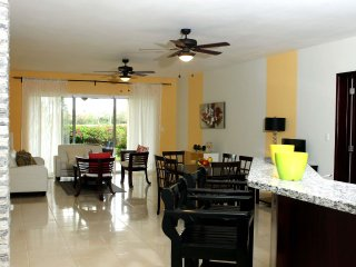Casa del Lago Large 2 Bedroom Golf Apartment