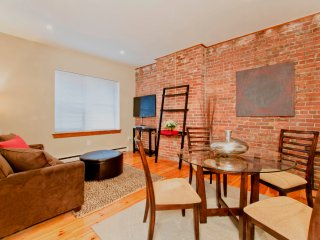 Lovely, 1 Bedroom,  Brownstone Apartment in Back Bay - Steps from The Pru