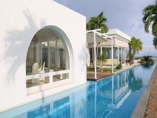 Oceanfront, Luxury Living on the Pacific Beaches of Panama!