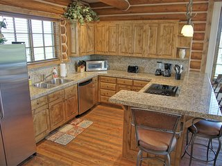Beautiful high quality Kitchen with Granite and Stainless Steel