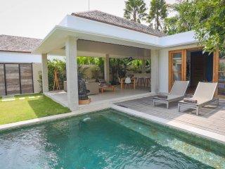 Romantic Private Villa For Honeymoon In Bali