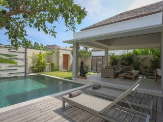 Romantic Private Villa For Honeymoon In Bali
