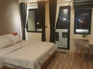 Near Royal Palace - Garden View Apartment w Rooftop & Jaccuzi
