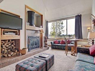 Living Room - Wood-burning fireplace