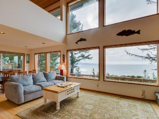Beautiful home above Maxwell Point with huge balcony & stunning ocean views